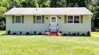 Pittsgrove Township Single Family Home For Sale: 21 Oaklyn Terrace