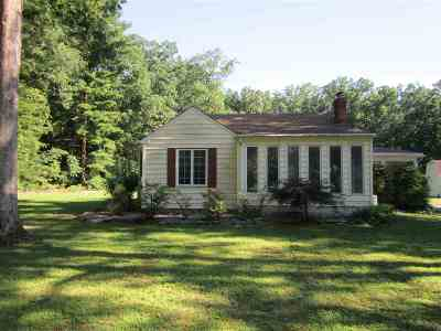 Franklinville Single Family Home For Sale: 965 Strawberry Ave