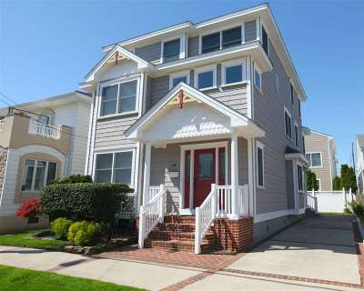 Margate Single Family Home For Sale: 14 S Jerome