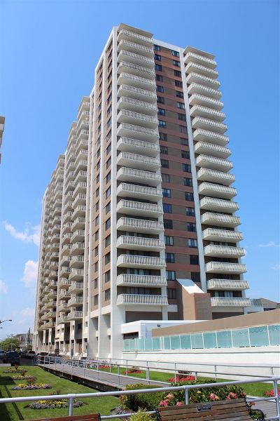Atlantic County Condo/Townhouse For Sale: 100 S Berkley Square #15H