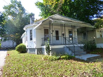 Vineland Single Family Home For Sale: 111 W Elmer St