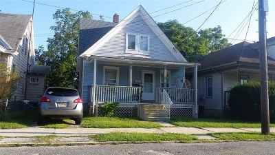 Millville Single Family Home For Sale: 331 D