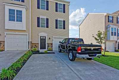 Vineland Condo/Townhouse For Sale: 2102 E Oak #A6