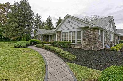 Vineland Single Family Home For Sale: 2 Northwood Dr