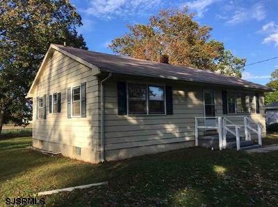 Vineland Single Family Home For Sale: 156 Hendricks Road