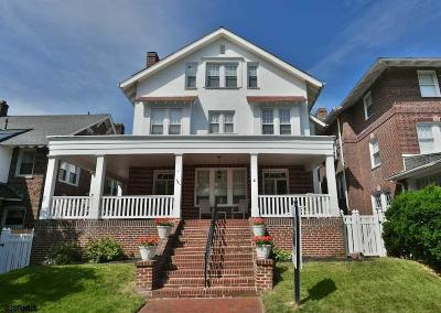 Atlantic City Single Family Home For Sale: 4 S Plaza Pl