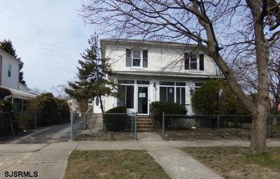 Vineland Single Family Home For Sale: 320 W Quince St