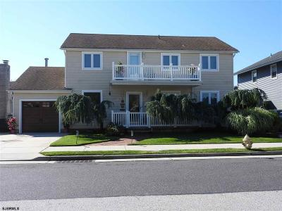 Margate Single Family Home For Sale: 8006 Lagoon Dr