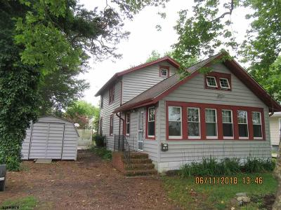 Somers Point Single Family Home For Sale: 18 E Pierson Ave