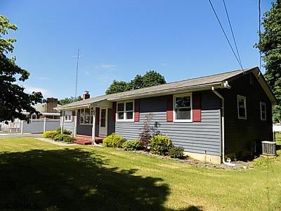 Vineland NJ Single Family Home For Sale: $156,000