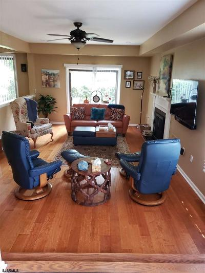 Somers Point Condo/Townhouse For Sale: 44 Greate Bay Dr Dr #44