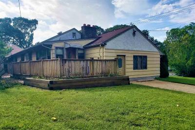 Somers Point Single Family Home For Sale: 221 W New York Ave