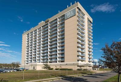 Atlantic City Condo/Townhouse For Sale: 655 Absecon Blvd #512