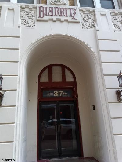 Atlantic City Condo/Townhouse For Sale: 37 S Iowa Ave #2D