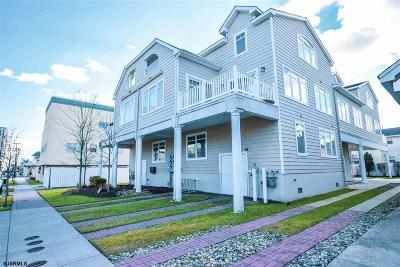 Margate Single Family Home For Sale: 4 N Monroe Ave