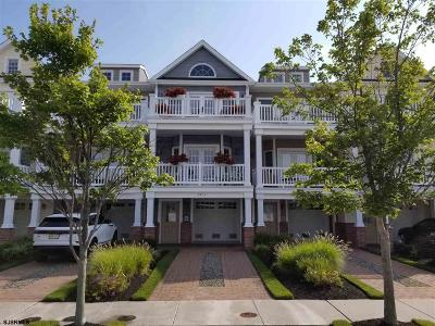 Margate Condo/Townhouse For Sale: 205 N Jefferson Ave #205-C