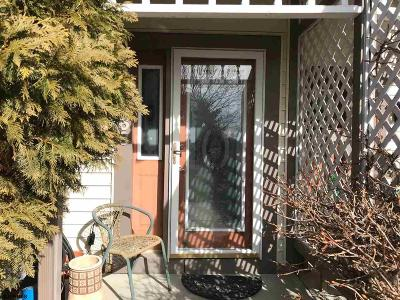 Smithville Condo/Townhouse Undercontract-Cont Toshow: 663 E Lakefront Cir #32