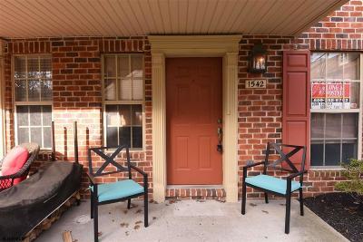 Mays Landing Condo/Townhouse For Sale: 1542 Hamilton Ct #242