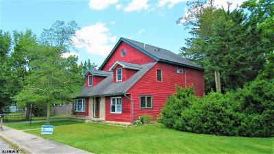 Linwood Single Family Home For Sale: 614 Oak Ave