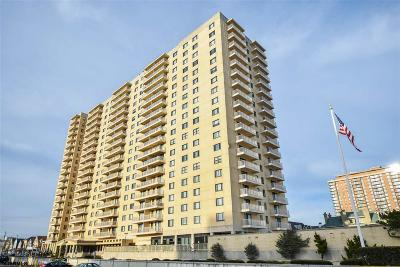 Condo/Townhouse Sold: 5000 Boardwalk #1507 #1507