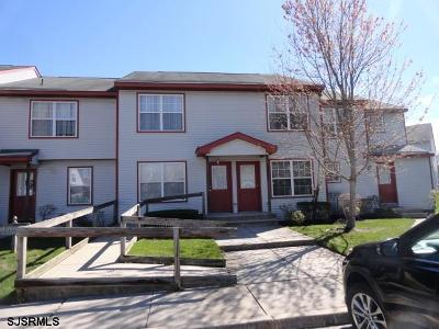 Absecon Condo/Townhouse Undercontract-Cont Toshow: 11 C Oyster Bay# C Road #11 C
