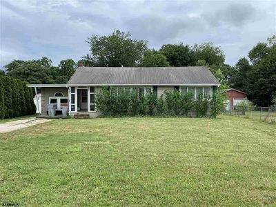 Vineland Single Family Home For Sale: 1715 E Oak Rd Road