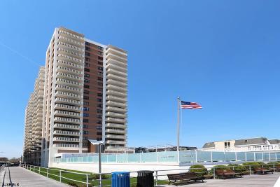 Atlantic City Condo/Townhouse For Sale: 100 S Berkley Square 15a #15A