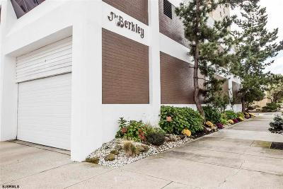 Condo/Townhouse For Sale: 100 S Berkley #6K