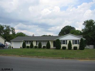 Vineland Single Family Home For Sale: 617 W Crescent Drive Dr