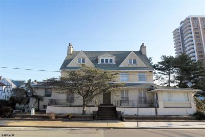 Atlantic City Single Family Home For Sale: 49 S Plaza Pl