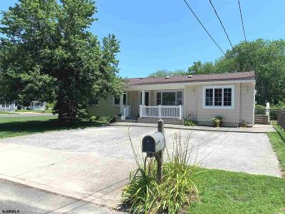 Absecon Single Family Home For Sale: 108 Vassar Square