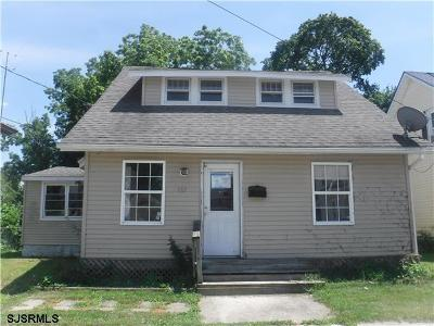 Single Family Home For Sale: 107 Middle Ave