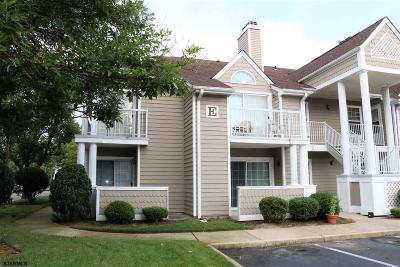 Linwood Condo/Townhouse For Sale: E-1 Constitution Ct #E-1