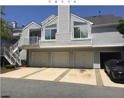Egg Harbor Township Condo/Townhouse For Sale: 113 Heather Croft #113