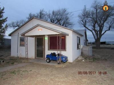 Portales Single Family Home For Sale: 2010 Redwine