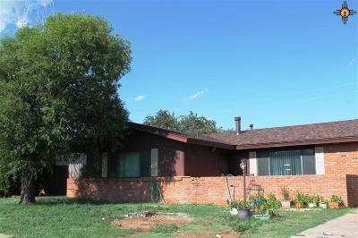 Clovis Single Family Home For Sale: 213 Merrill