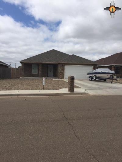Clovis Single Family Home For Sale: 221 Starlite