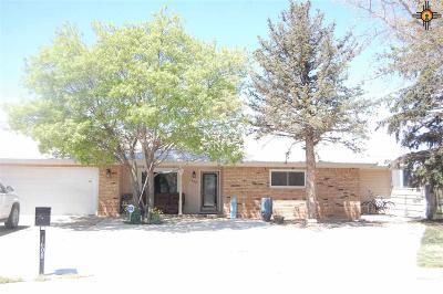 Clovis Single Family Home For Sale: 1608 Claremont Terrace