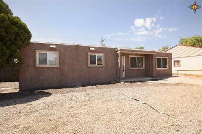 Clovis Single Family Home For Sale: 713 W Manana