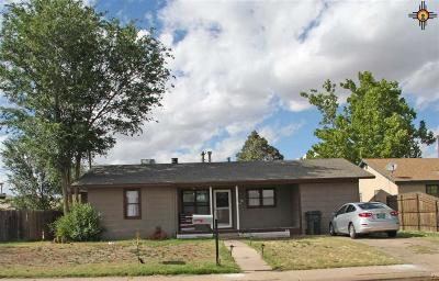 Clovis Single Family Home For Sale: 128 Torreon