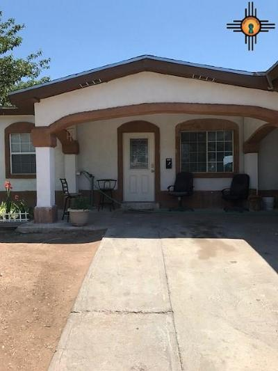 Single Family Home For Sale: 1309 W Berry