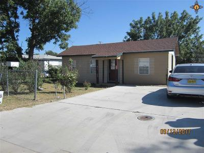 Portales Single Family Home For Sale: 1020 E Canadian