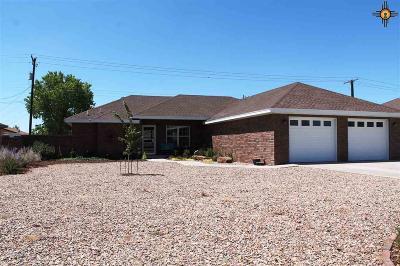 Portales Single Family Home For Sale: 1132 Aquarius Dr.