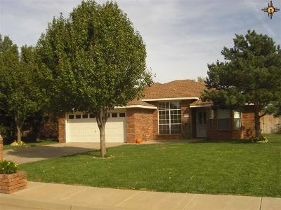Clovis Single Family Home For Sale: 136 Don January