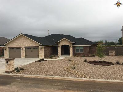 Portales Single Family Home For Sale: 1225 Oakwood Circle