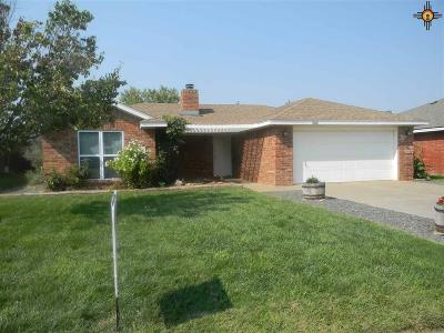 Clovis Single Family Home For Sale: 2216 Country Meadows