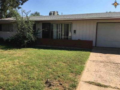 Clovis Single Family Home For Sale: 717 W 18th