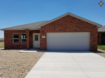 Portales Single Family Home For Sale: 1833 Dillon Wood