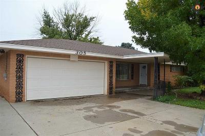 Clovis Single Family Home For Sale: 305 John Doe