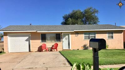 Clovis Single Family Home For Sale: 3028 Cesar Chavez
